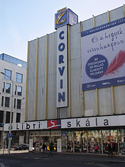 Corvin Shopping Center - Budapešť, Maďarsko