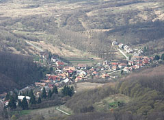 The view of Pilisszentlélek village that belongs to Esztergom town, from the Fekete-kő - Pilis (Pilišské vrchy), Maďarsko