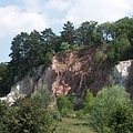 Red rocks at the parking lot - Budakeszi, Maďarsko