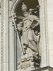 Statue of Saint Gregory the Great (i.e. Pope Gregory I) in the St. Stephen's Basilica - Budapešť, Maďarsko