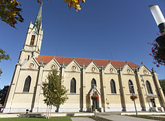 "The first Roman Catholic church of Újpest, the ""Queen of Heaven"" Church - Budapešť, Maďarsko"