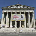 The neo-classical building of the Museum of Fine Arts - Budapeşte, Macaristan