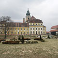 The Town Hall with the Mayor's Office (former Cistercian Abbey building) and the treatre, viewed from the park - Szentgotthárd, Macaristan