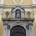 Statue of St. Francis of Assisi above the door of the Franciscan Sacred Heart of Jesus Church - Zalaegerszeg, Macaristan