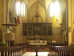 The main altar of the St. Ladislaus Church - Budapeste, Hungria
