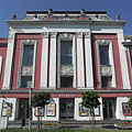 The main facade of the Kossuth Community Center, Cultural Center and Theater - Cegléd, Hungria