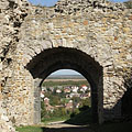 The castle gate from inside - Nógrád, Hungria