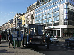 Bus station in the Blaha Lujza Square - Budapeszt, Węgry