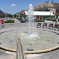 Fountain in the main square - Vác (Вац), Венгрия