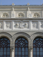"""Facade of the Pesti Vigadó Concert Hall (the Hungarian word """"Vigadó"""" means something like the """"Place for Merriment"""") - Budapest, Ungarn"""