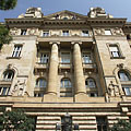 The western facade of the historicist and Art Nouveau style Hungarian National Bank building - Budapest, Ungarn