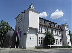 Municipal Library (or Town Library) - Jászberény, Ungarn