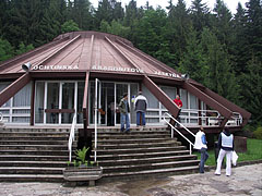 Conical-roofed reception building at the entrance of the Ochtinská Aragonite Cave (in Slovak: Ochtinská aragonitová jaskyňa) - Ochtiná (Martonháza), Slowakei