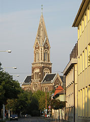The Roman Catholic Parish Church, viewed from the Town Hall - Boedapest, Hongarije