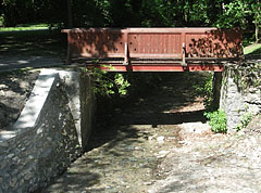 The Szinva Stream, and a small footbridge over it - Lillafüred, Hongarije