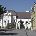 The Forgách Mansion and the former District Court on the renovated square - Szécsény, Hongarije