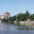 The Öreg Lake (Old Lake) and the Castle of Tata, which can be categorized as a water castle - Tata, Hongarije
