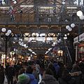 Mass of customers and onlookers in the Great (Central) Market Hall - Budapest, Ungari