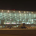 """The """"Sky Court"""" waiting hall building, viewed from outside, from the beside the airplanes - Budapest, Ungari"""