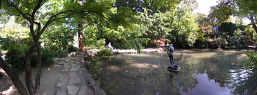 ××Margaret Island (Margit-sziget), Tiny lake with a waterfall - Budapest, Ungari