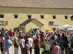 Bustle of the fair in the Northern Hungarian Village cultural region - Szentendre, Ungarn