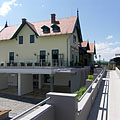 Train station and modern visitor center - Szentendre, Ungern