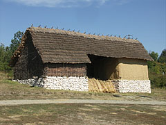 "Sheaves of reed in a barn in the so-called ""Barn enclosure"" (""Csűröskert"") - Szentendre, هنغاريا"