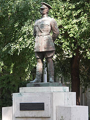 The bronze statue of the US General Bandholtz - Budapest, Hungary