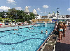 Outdoor wave pool - Budapest, Hungary