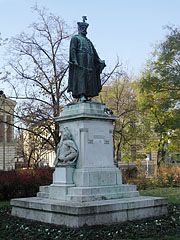 Statue of István Bocskai Prince of Transylvania behind the Great Calvinist Church (Nagytemplom) - Debrecen, Hungary