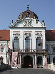 The middle section (risalit) with the main entrance on the Grassalkovich Palace of Gödöllő - Gödöllő, Hungary