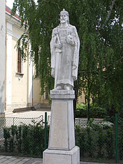 The statue of St. Stephen of Hungary in front of the Roman Catholic Parish Church of Újhatvan quarter - Hatvan, Hungary