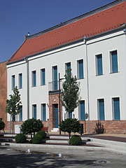 The so-called Klein House with the János Tornyai Museum and Community Cultural Center within it - Hódmezővásárhely, Hungary