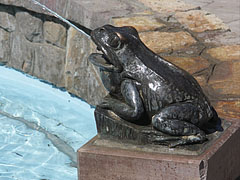 One of the four bronze frogs of the fountain - Jászberény, Hungary
