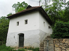 Folk house from the 19th century, partially embedded into the rock - Jósvafő, Hungary