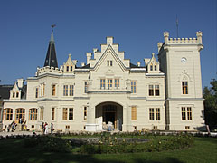 The Tudor (English gothic) and romantic style Nádasdy Mansion - Nádasdladány, Hungary