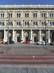 Corvinus University of Budapest, the south-western facade, facing to the Danube River - ブダペスト, ハンガリー