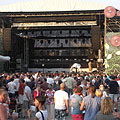 The stage of the Budapest Park open-air concert venue in the light of the setting sun - ブダペスト, ハンガリー