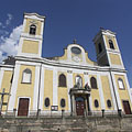 The twin-towered neo-baroque St. Michael church - Dunakeszi, ハンガリー