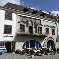 The medieval Gambrinus House has gothic origins, but represents many other architectural styles as well - Sopron, ハンガリー